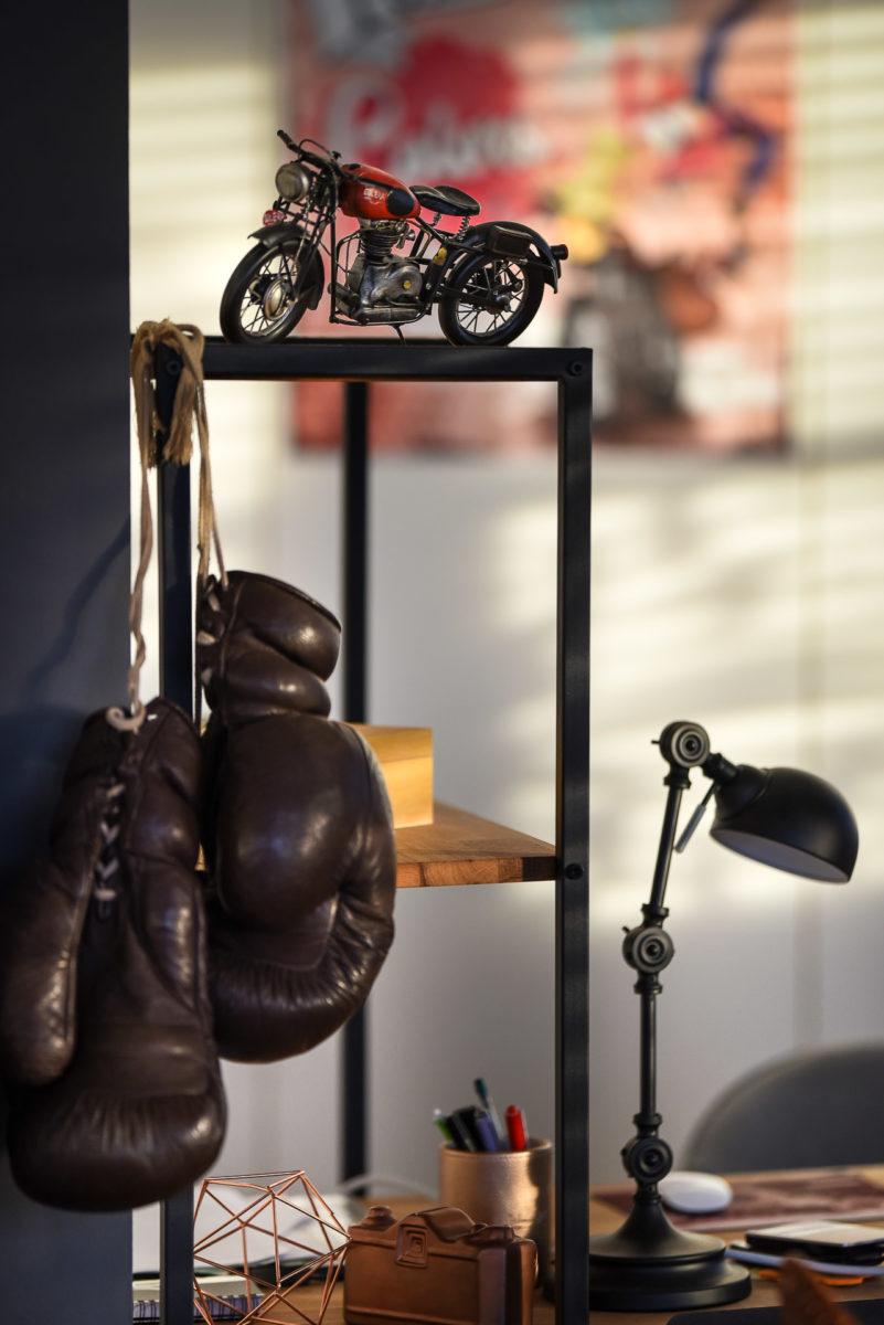 LOFT BUREAU - Valentine Poulain moto