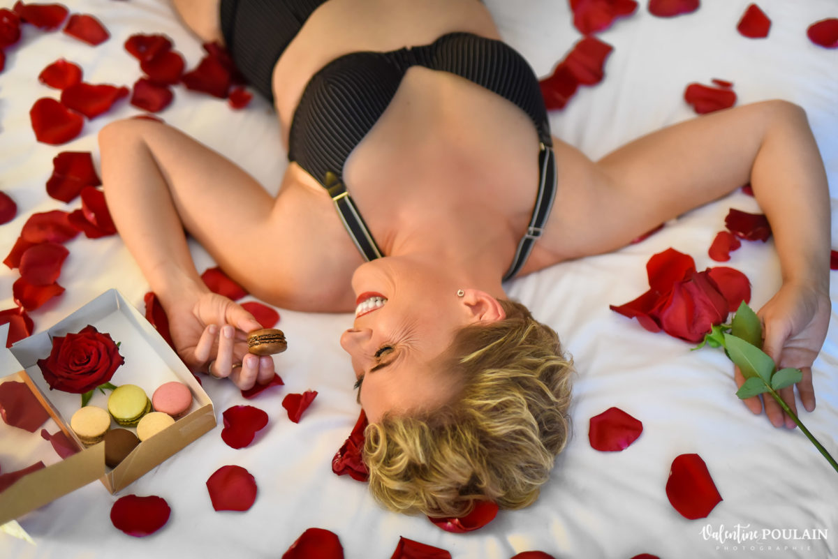 macarons boudoir pétales de rose - Valentine Poulain