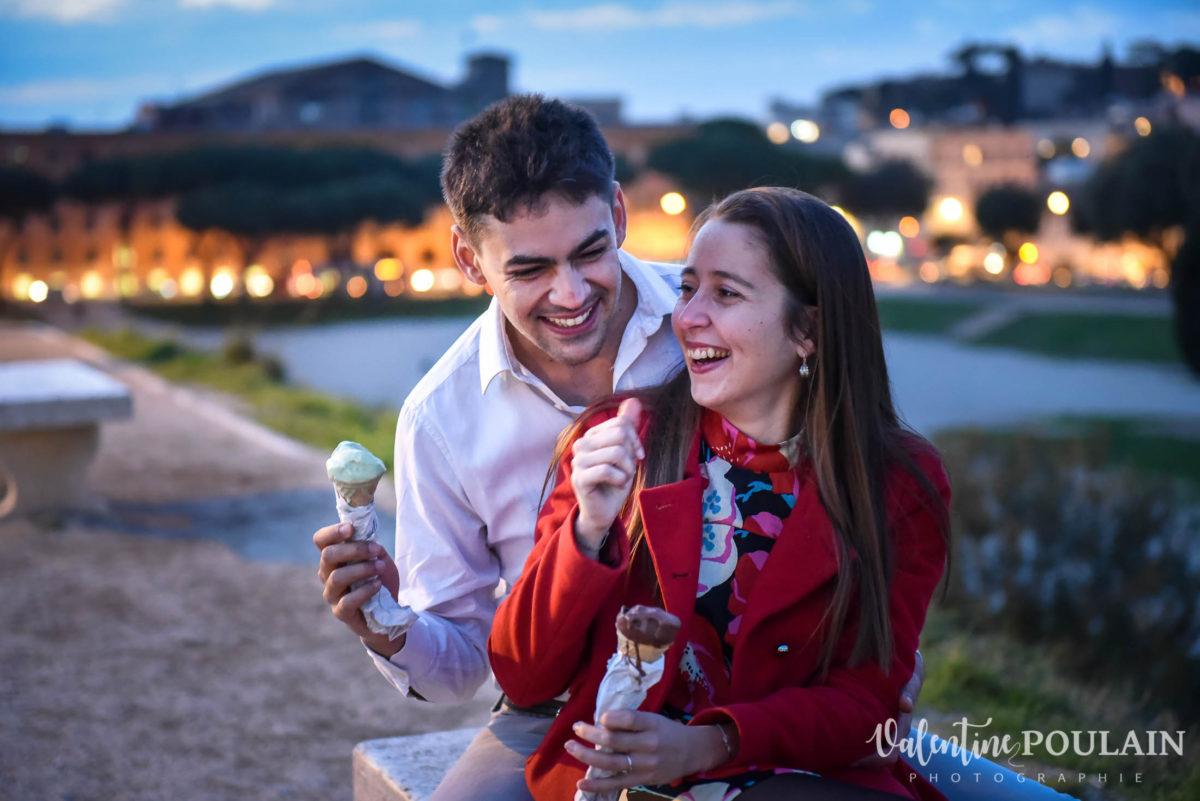 Shooting couple demande mariage Rome glace