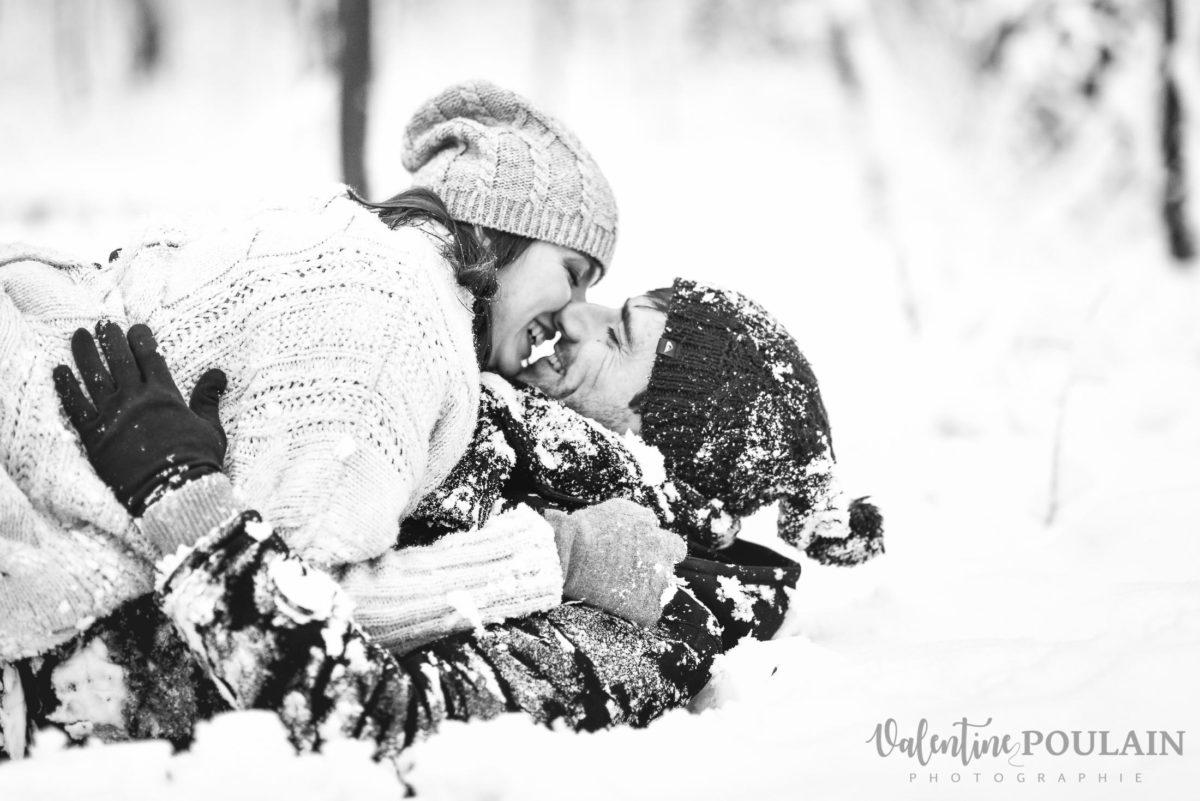 Shooting couple fun neige - Valentine Poulain