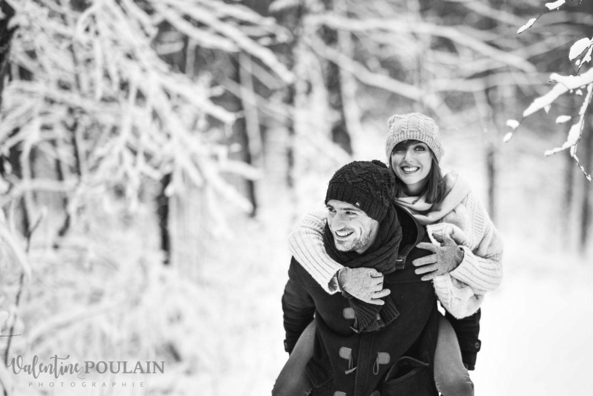 Shooting couple hivernal - Valentine Poulain porte
