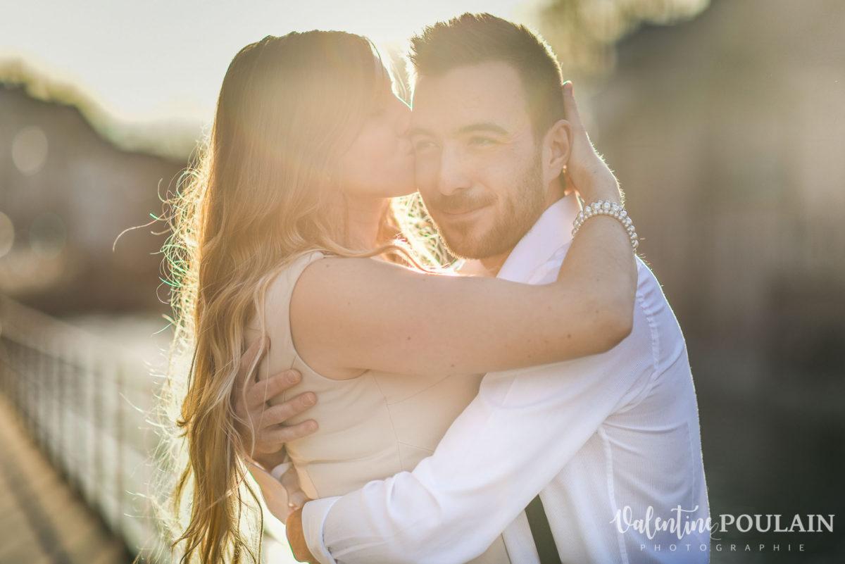 Shooting engagement demande mariage bar baiser