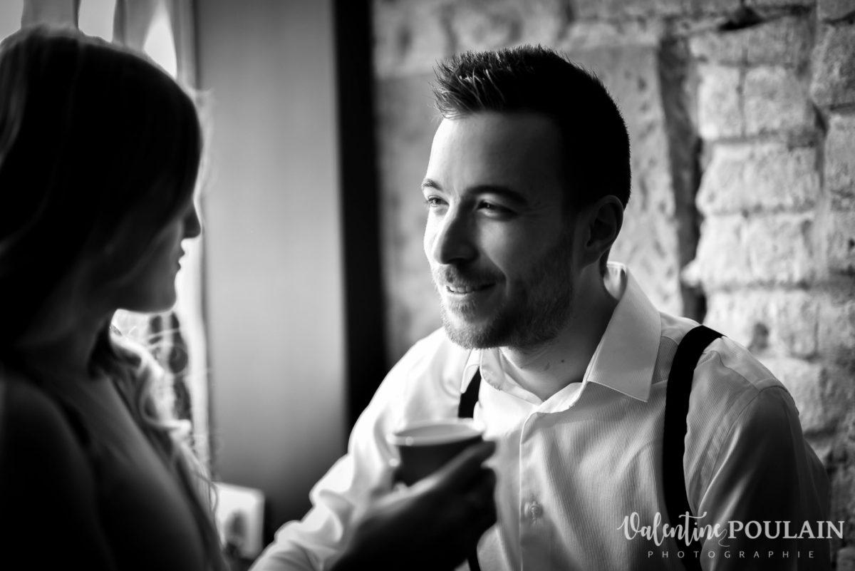 Shooting engagement demande mariage bar regard