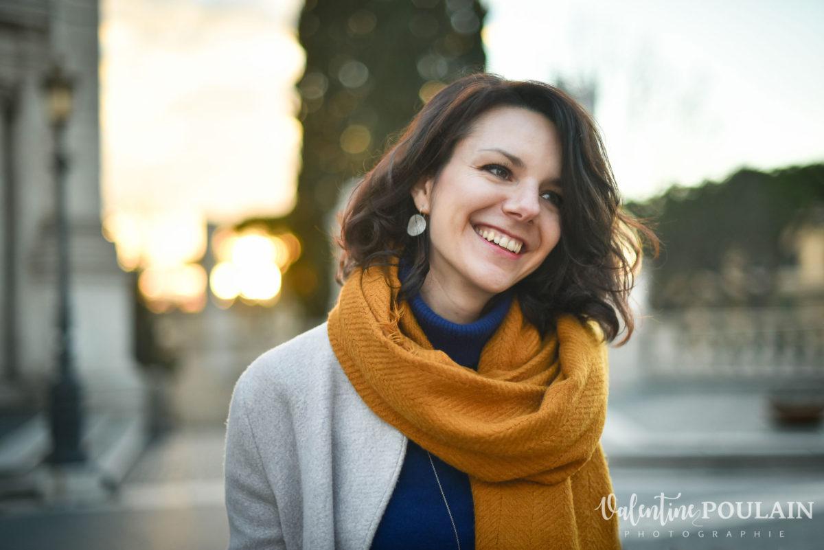 Shooting portrait Silvene Rome Créatrice rire
