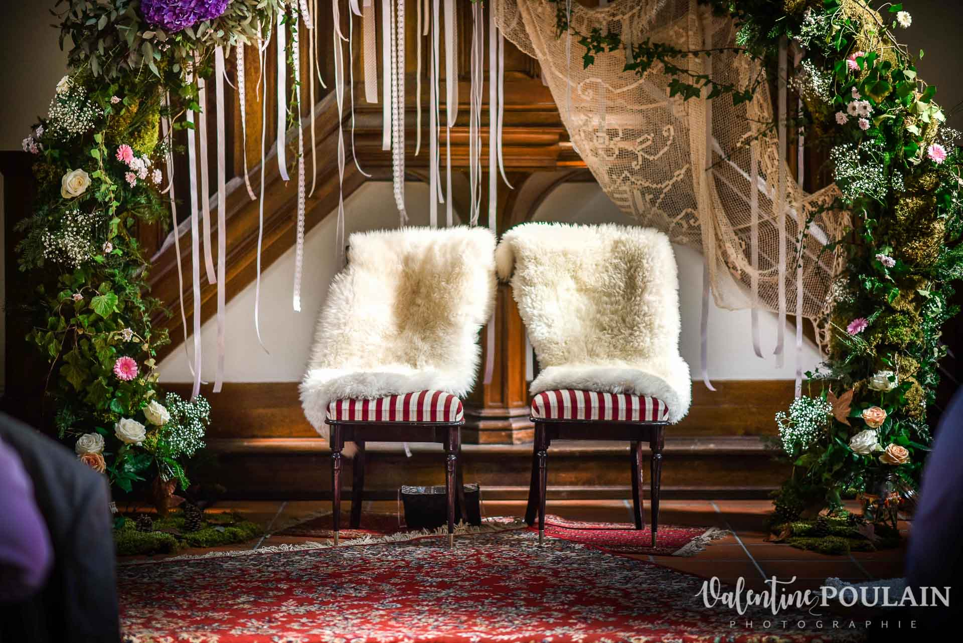 Mariage hippie funky - Valentine Poulain chaises