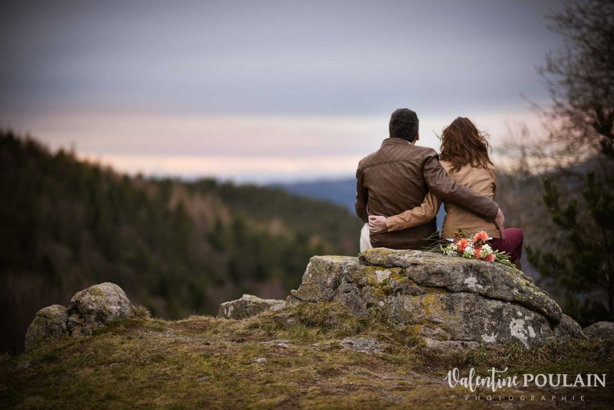 Shooting save the date montagne - Valentine Poulain coucher soleil