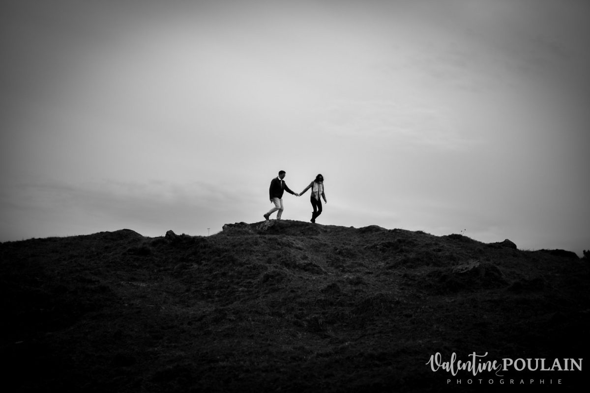Shooting save the date montagne - Valentine Poulain n&b