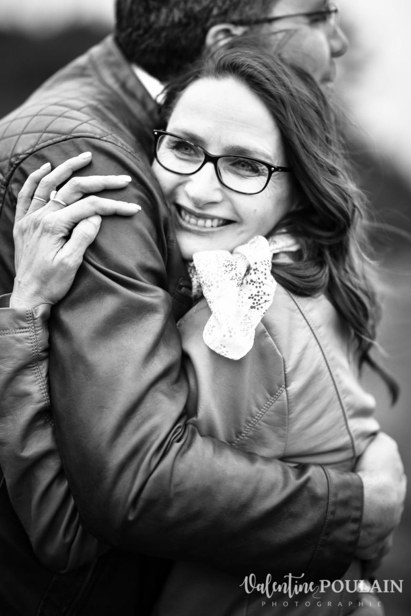 Shooting save the date montagne - Valentine Poulain smile
