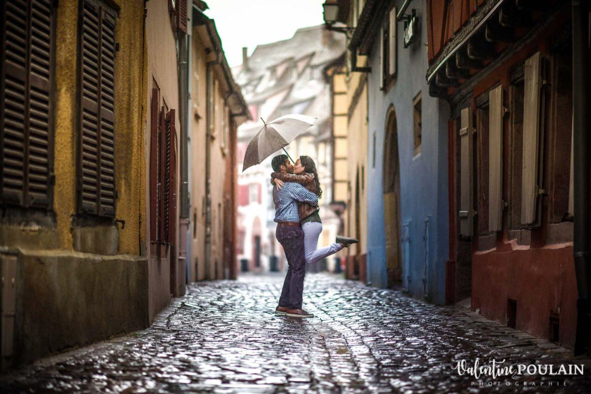 Demande mariage Colmar pluie - Valentine Poulain sauter