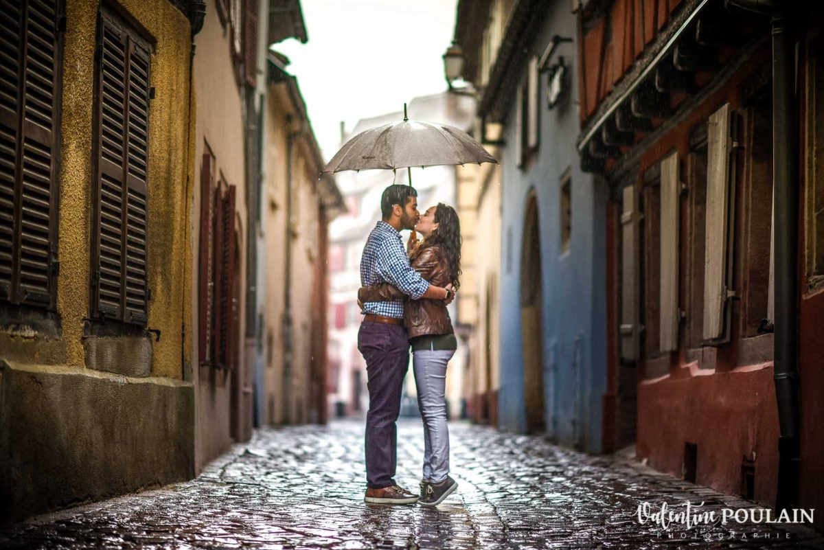 Demande mariage Colmar pluie - Valentine Poulain