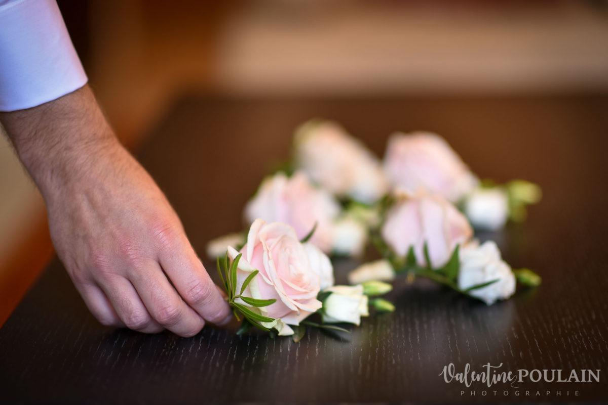 Il et il mariage couple homosexuel fleurs