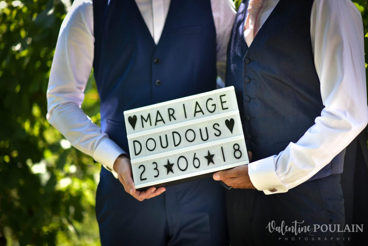 Il et il mariage couple homosexuel message