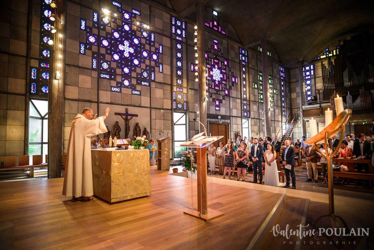Mariage grange - Valentine Poulain église