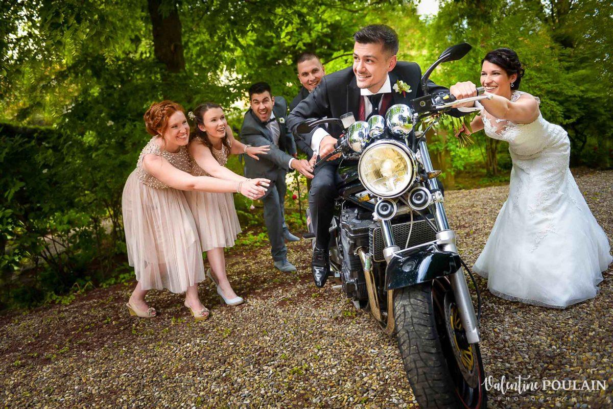 Mariage moto témoins couple fun - Valentine Poulain