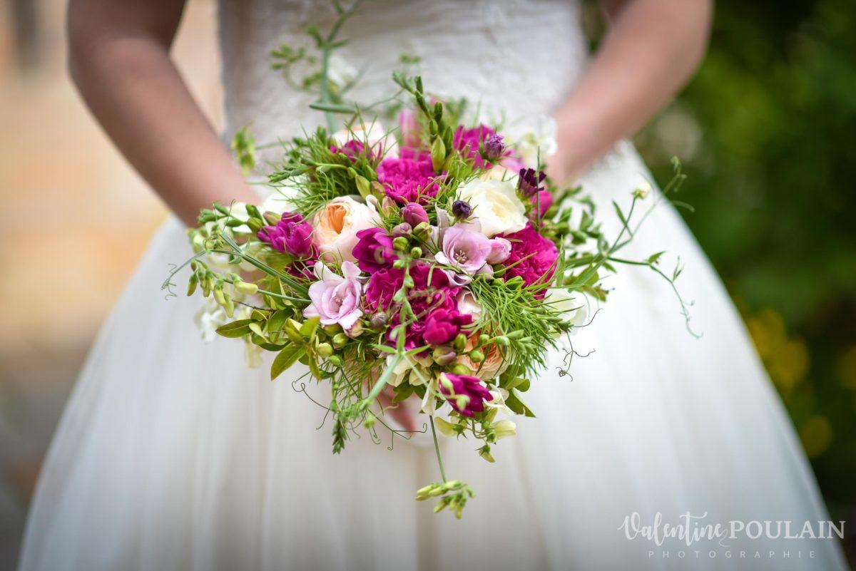 Mariage joyeux vert rose bouquet - Valentine Poulain