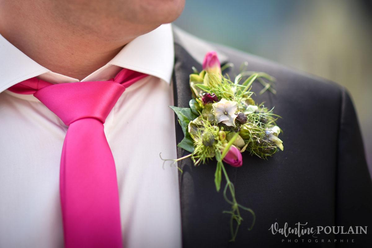 Mariage joyeux vert rose boutonnière - Valentine Poulain