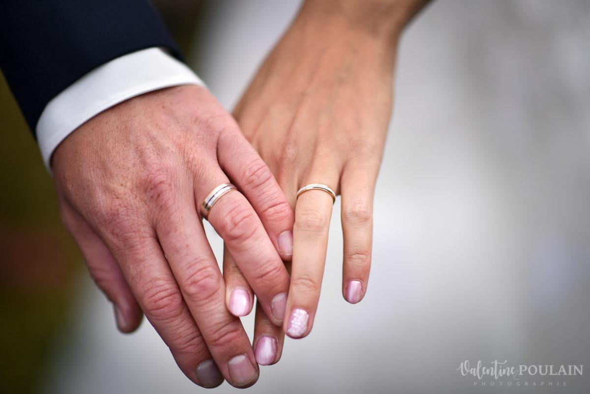 Mariage marin mer - Valentine Poulain mains