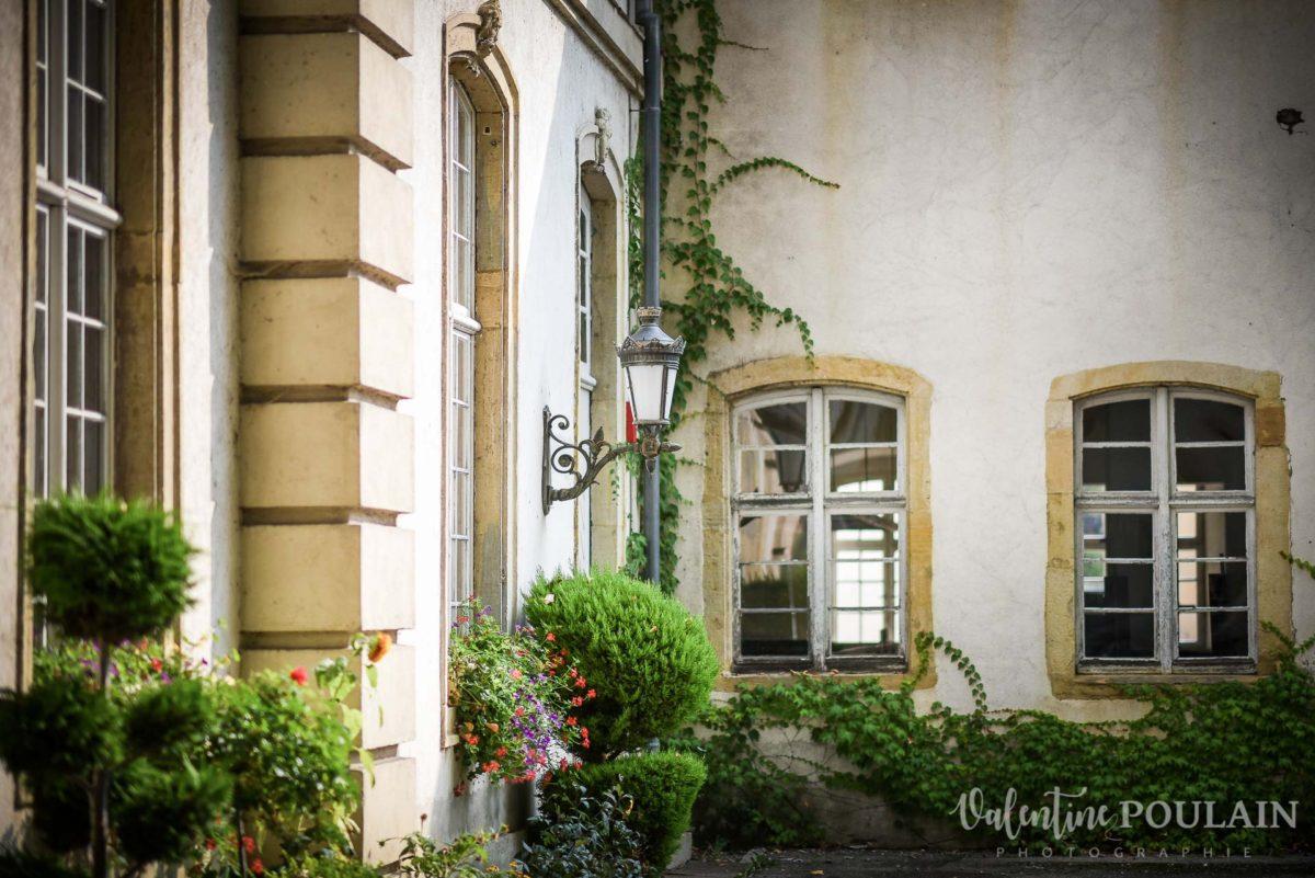 Mariage musée papier peint - Valentine Poulain façade