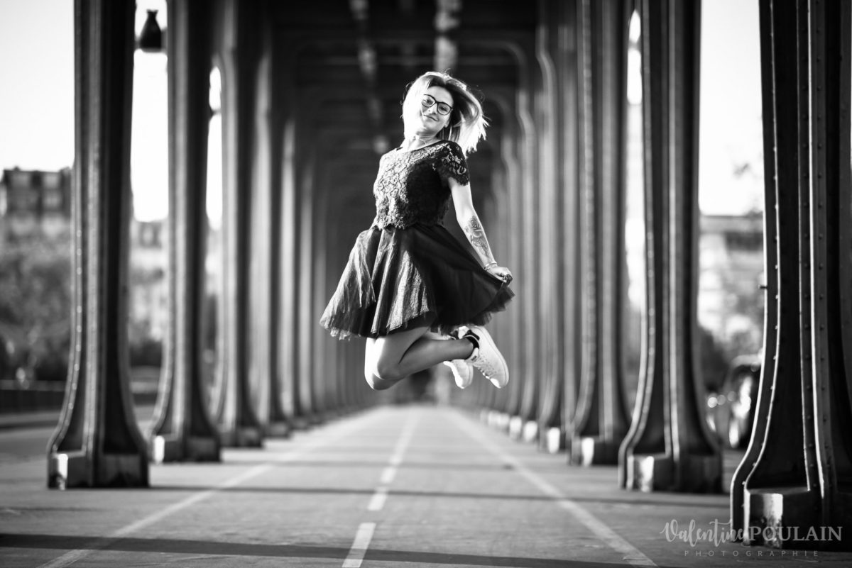 Shooting photo portrait Paris - Valentine Poulain Pont Bir Hakeim