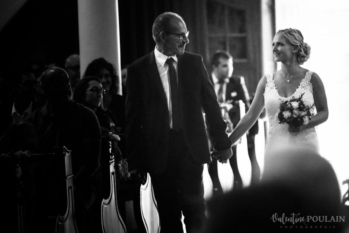 Mariage père marie fille - Valentine Poulain arrivée