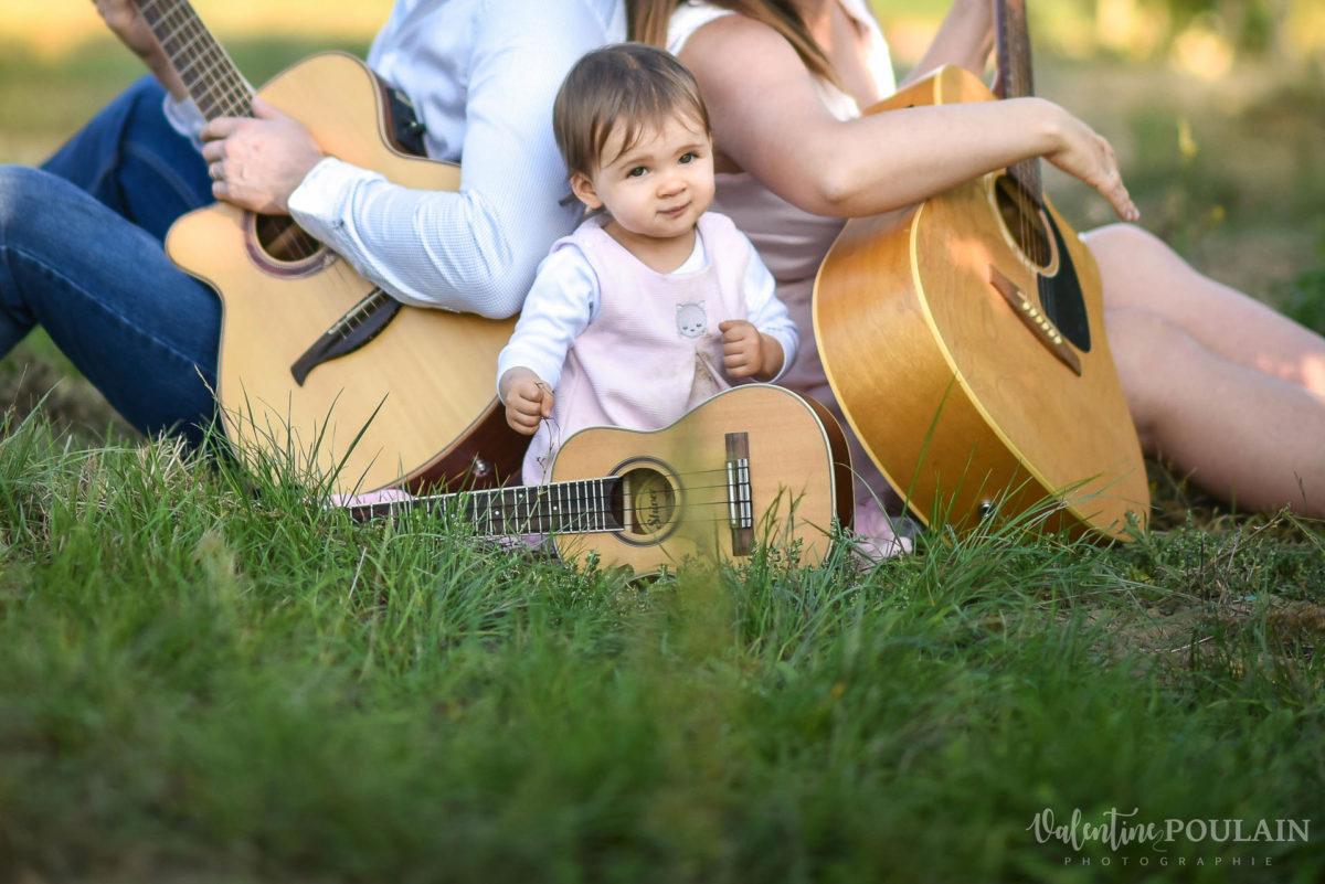 Famille musiciens guitares - Valentine Poulain