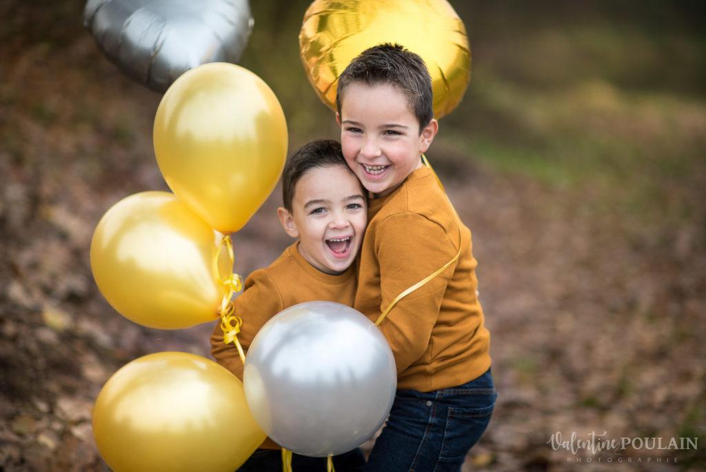 Frères ballons jaunes - Valentine Poulain