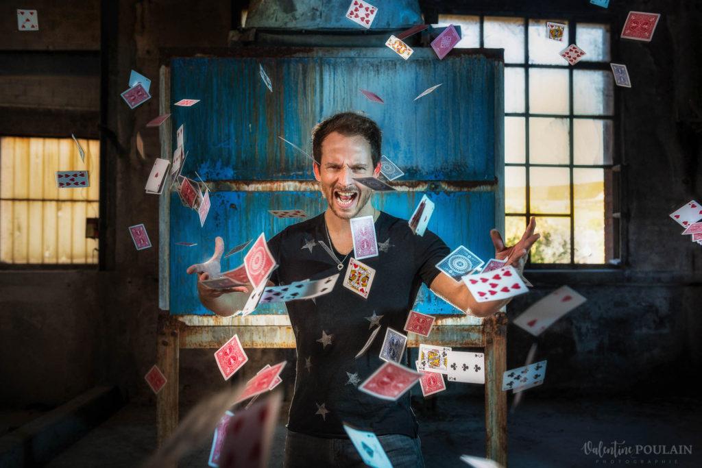Shooting photo Eric Borner magicien - Valentine-Poulain cartes