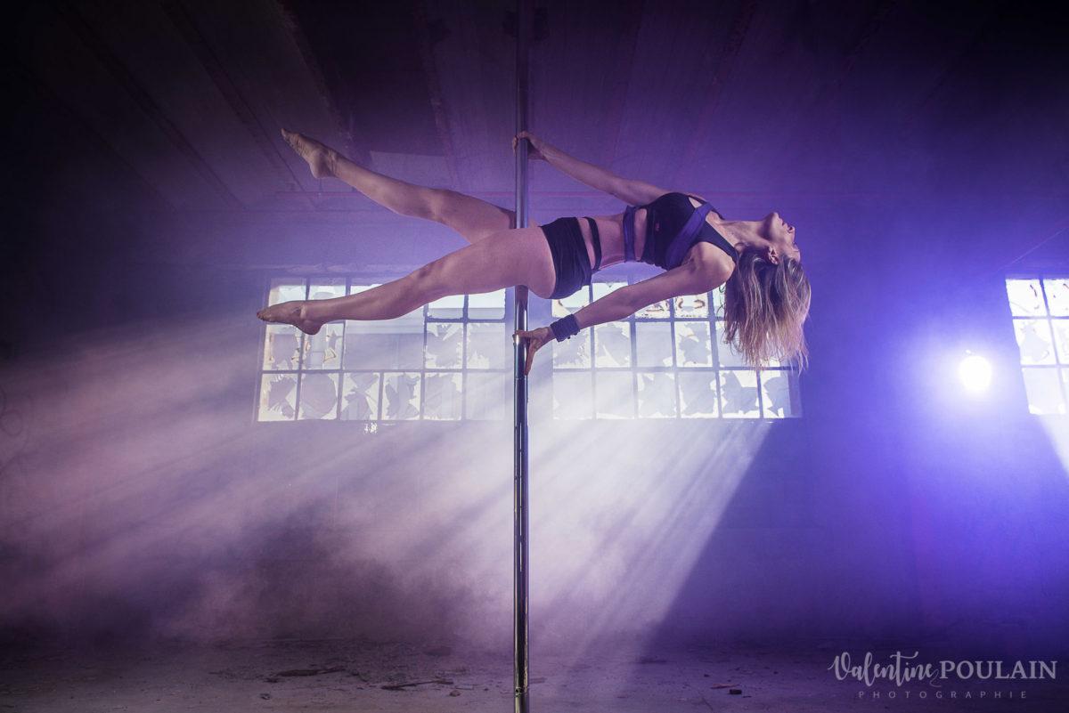 Shooting photo Pole Dance - Valentine Poulain planche