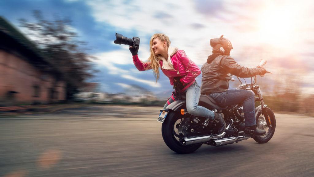 Portrait Valentine Poulain moto Harley