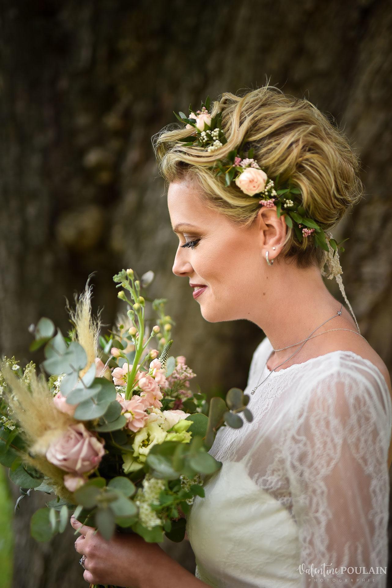 Portrait mariée fleurs - Valentine Poulain