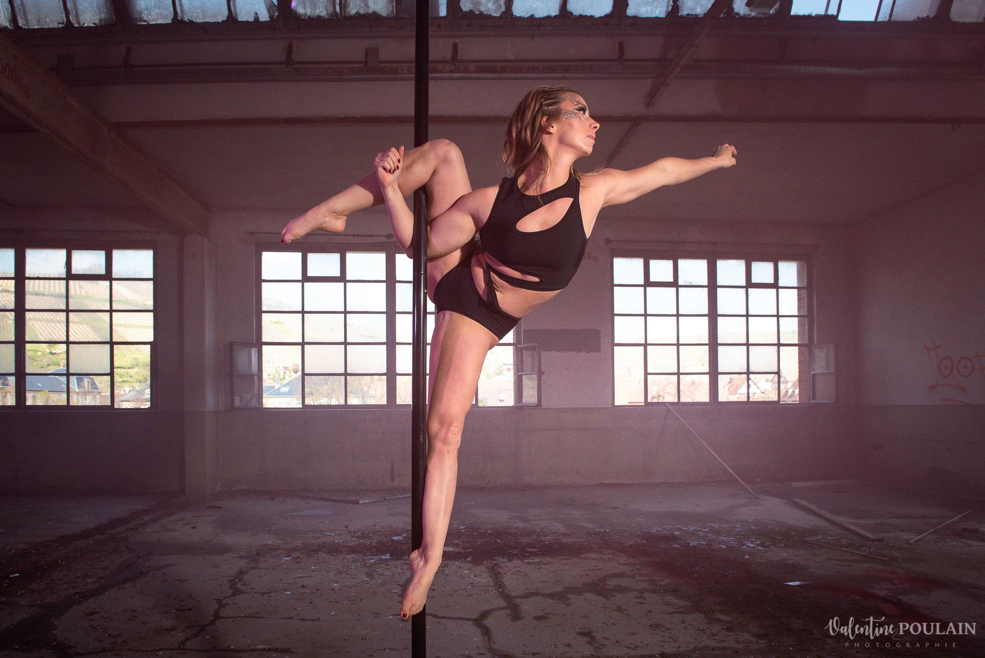 Shooting Pole Dance gymnastique - Valentine Poulain art