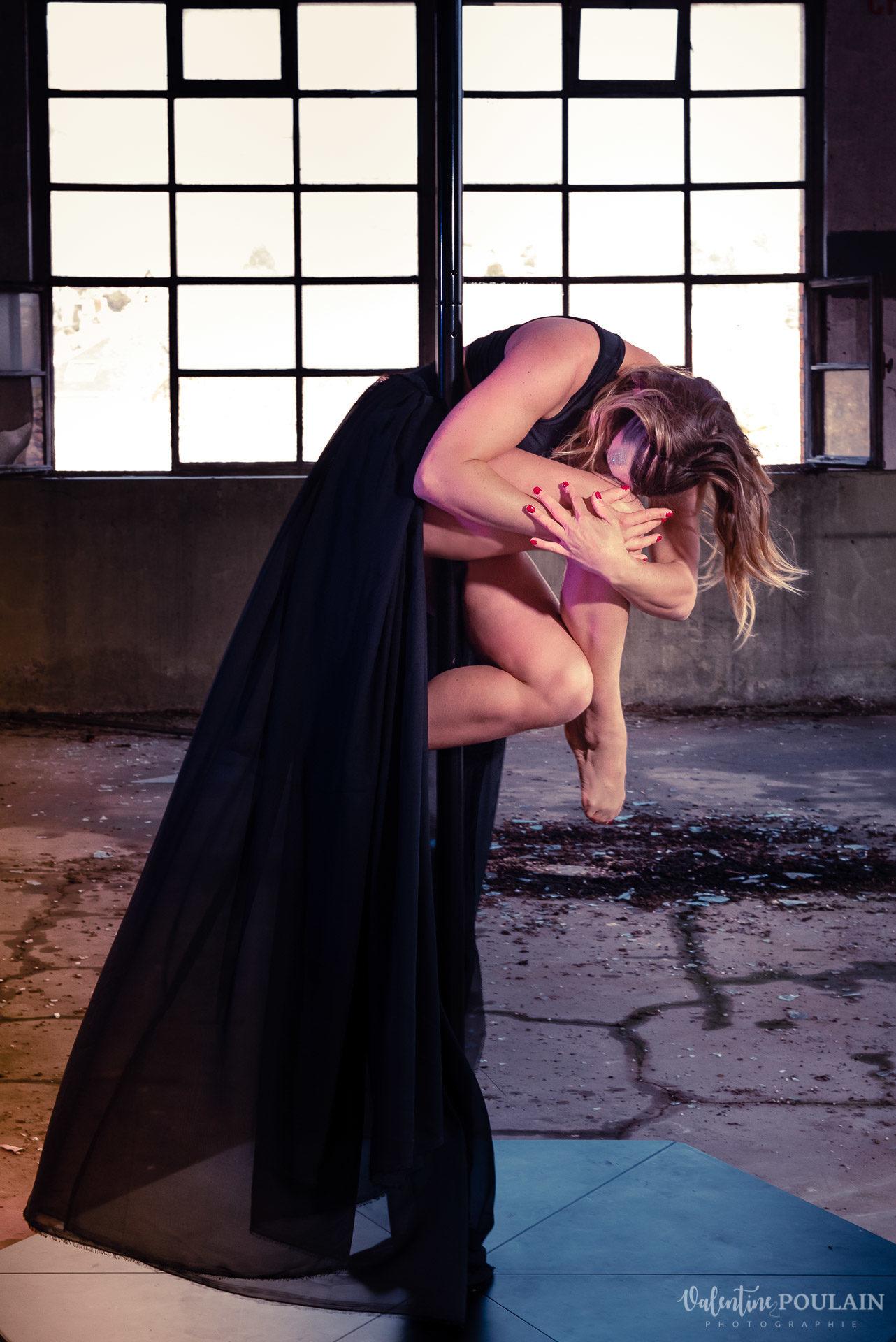 Shooting Pole Dance gymnastique - Valentine Poulain fermeture
