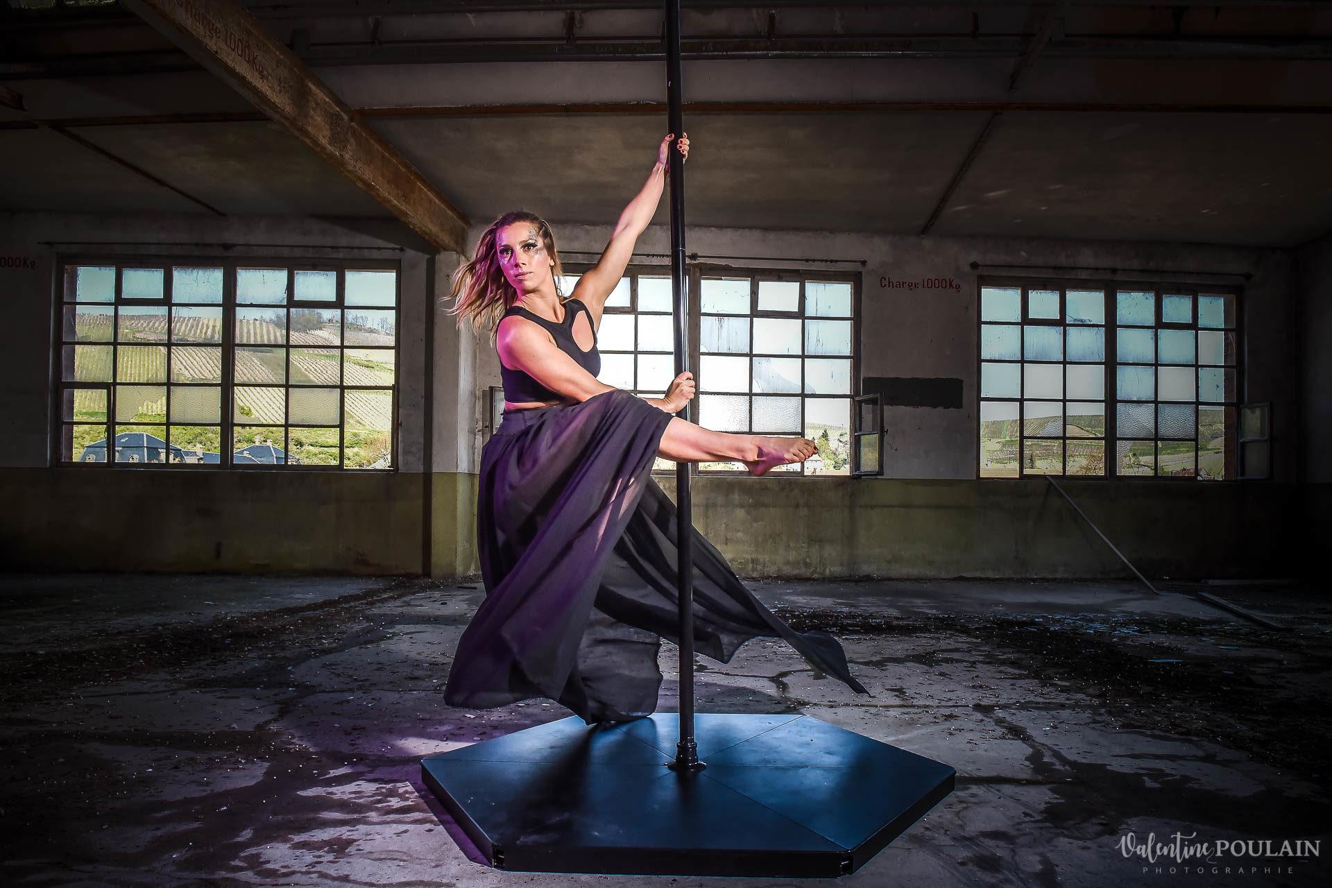 Shooting Pole Dance gymnastique - Valentine Poulain lancer