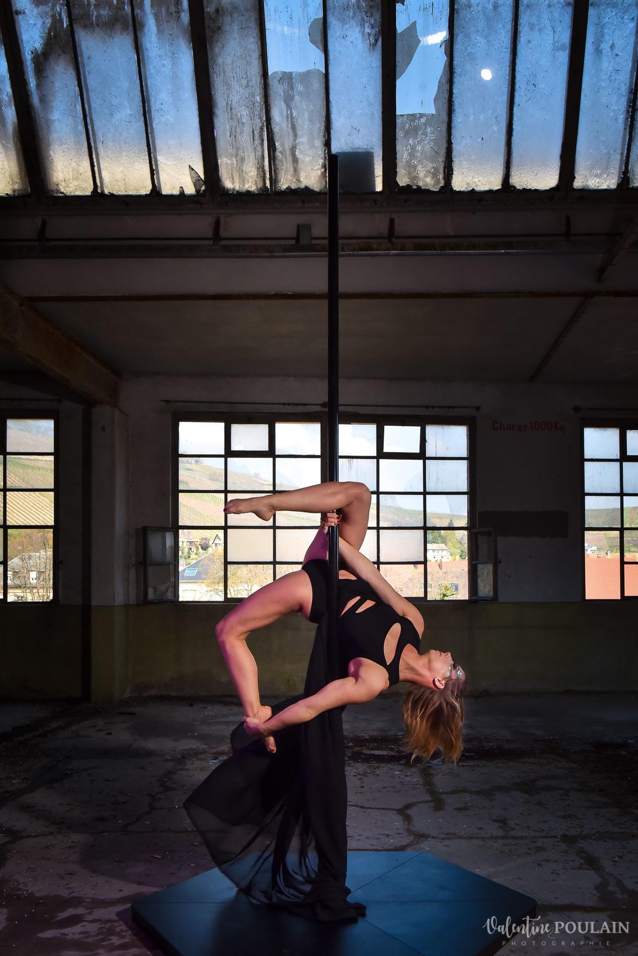 Shooting Pole Dance gymnastique - Valentine Poulain souplesse
