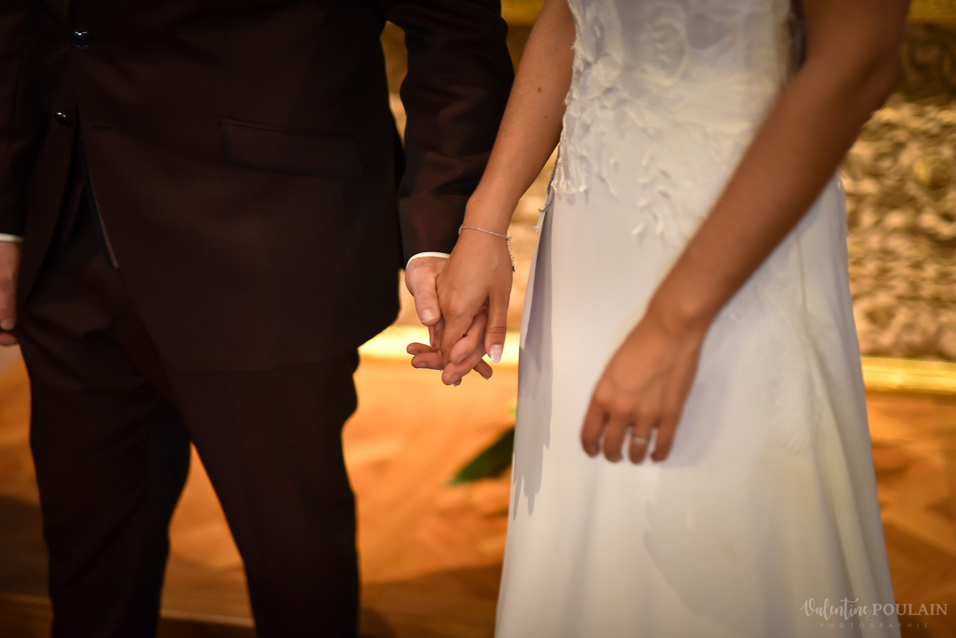 Mariage convivial Saverne - Valentine Poulain mains