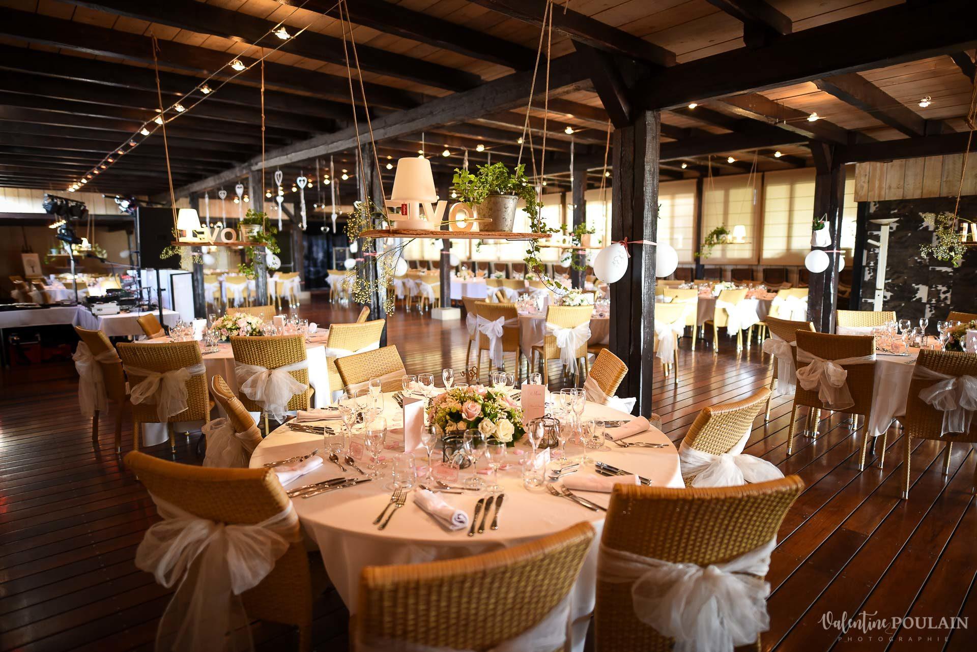Mariage cool ferme weyerbach - Valentine Poulain table lieu