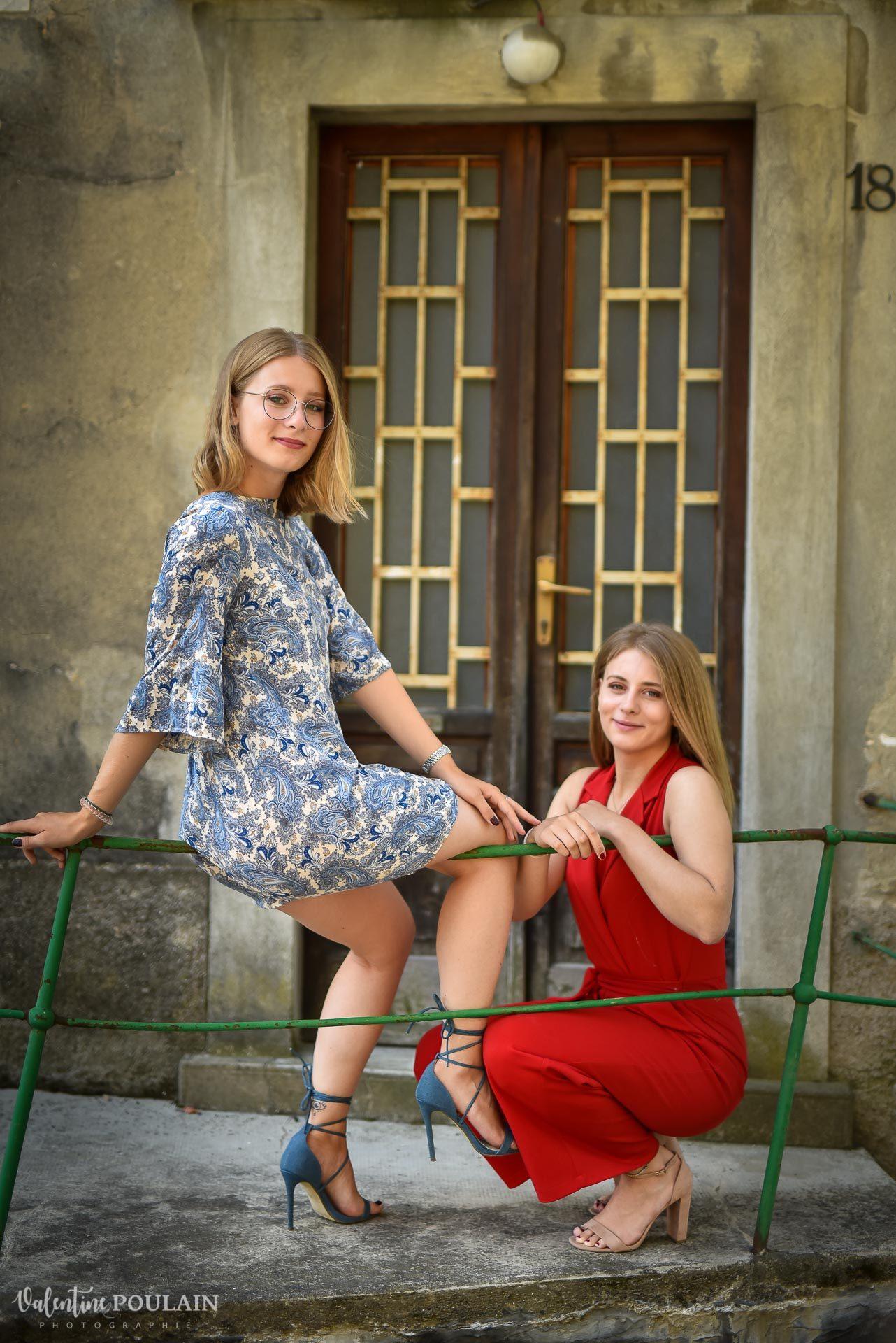 soeur assises Cernobbio Italie - Valentine Poulain