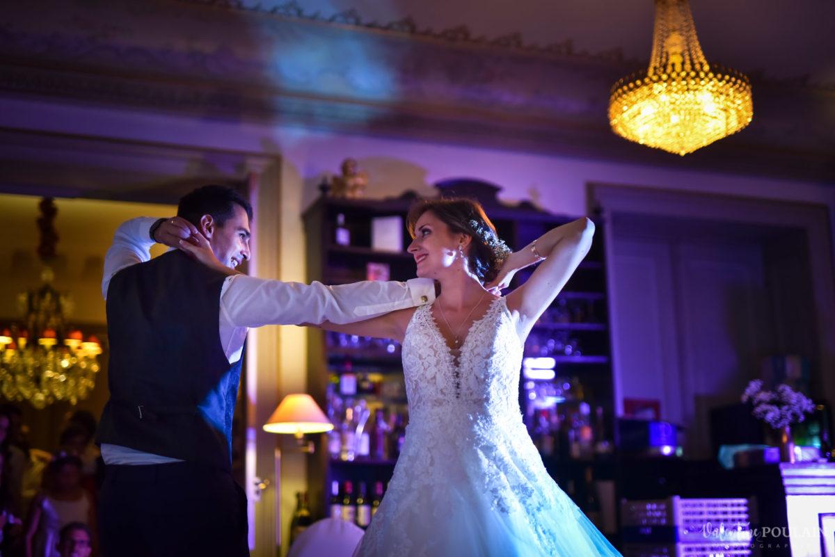 Mariage romantique Domaine Beaupré - Valentine Poulain danser