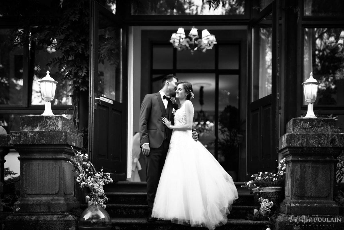 Mariage romantique Domaine Beaupré - Valentine Poulain n et b