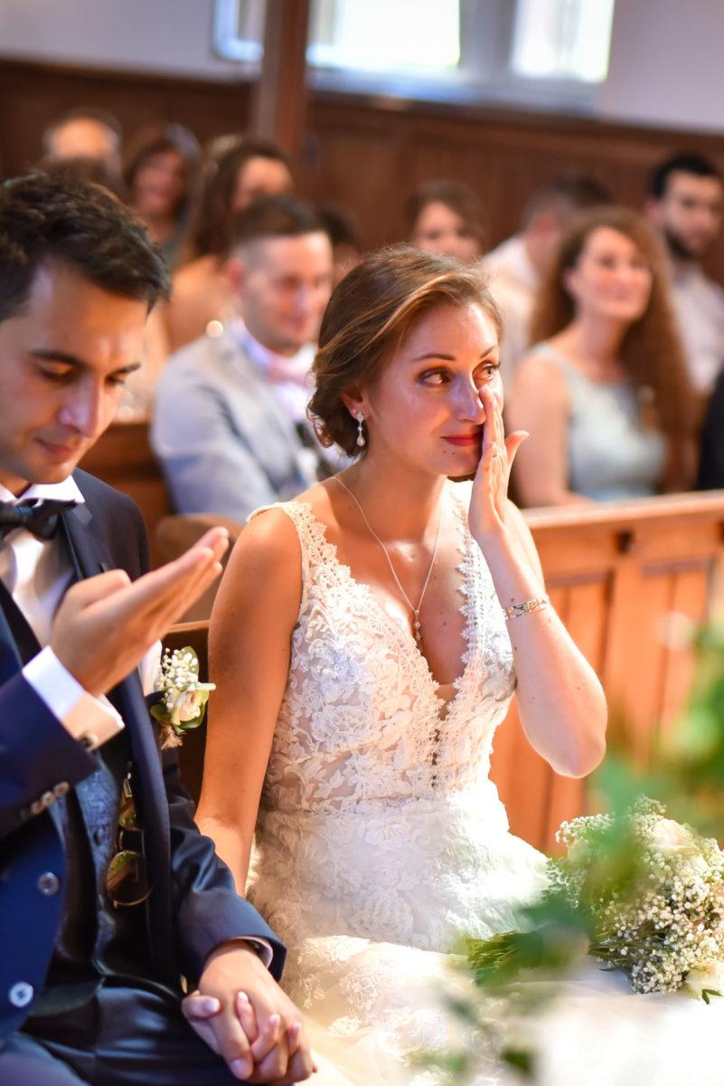 Mariage romantique Domaine Beaupré - Valentine Poulain pleurer