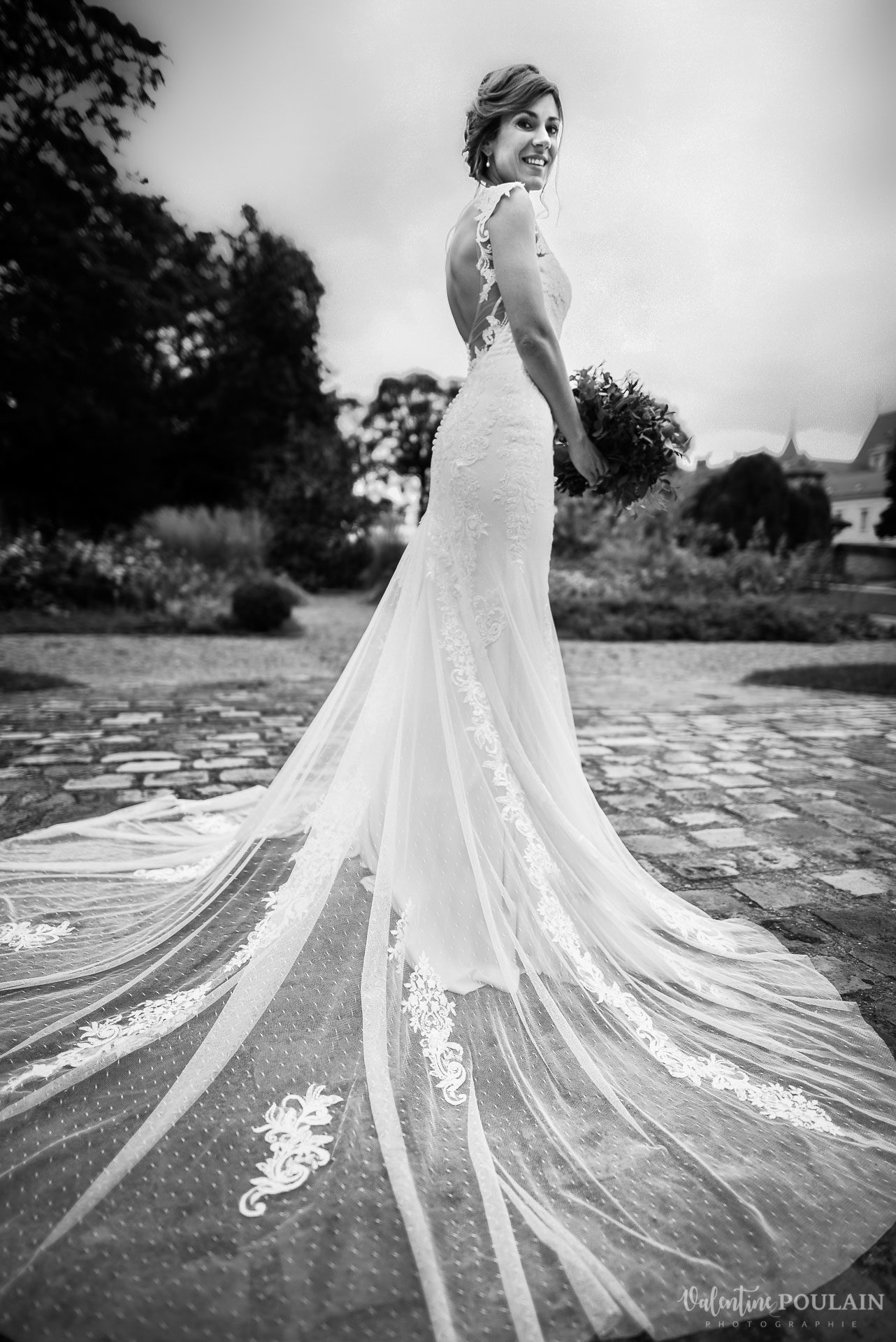 Mariage lieu insolite Paris -Valentine Poulai robe