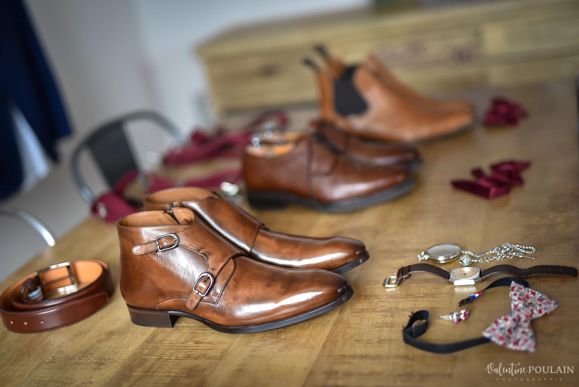 Mariage lieu insolite Paris -Valentine Poulain préparatif hommes chaussures