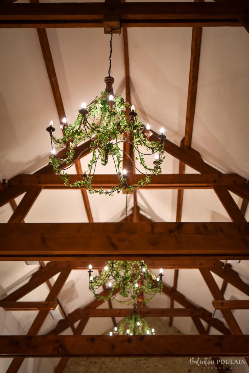 Mariage lieu insolite Paris -Valentine Poulain Domaine de Brunel plafond