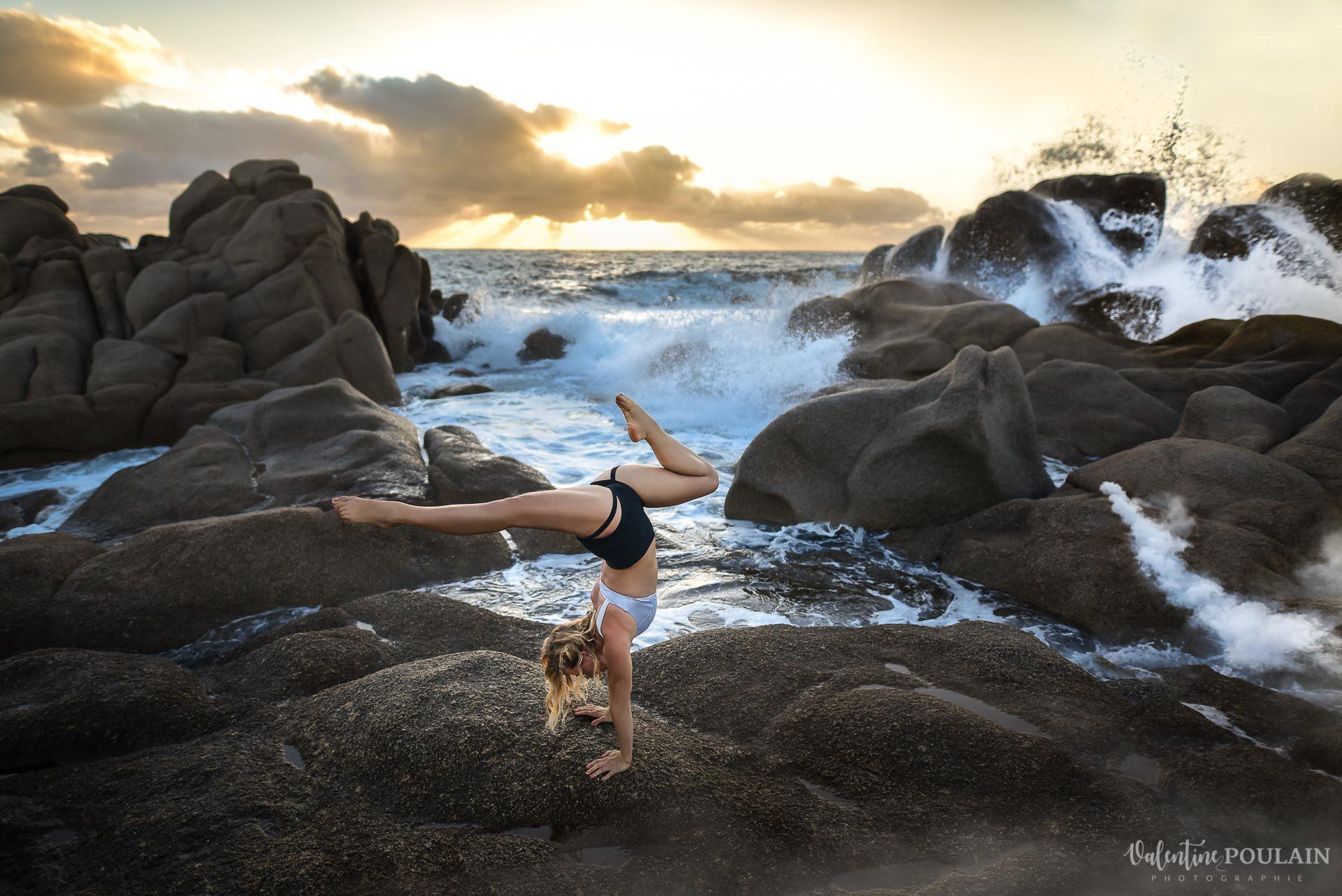 Shooting pole dance Corse Portrait - Valentine Poulain plage