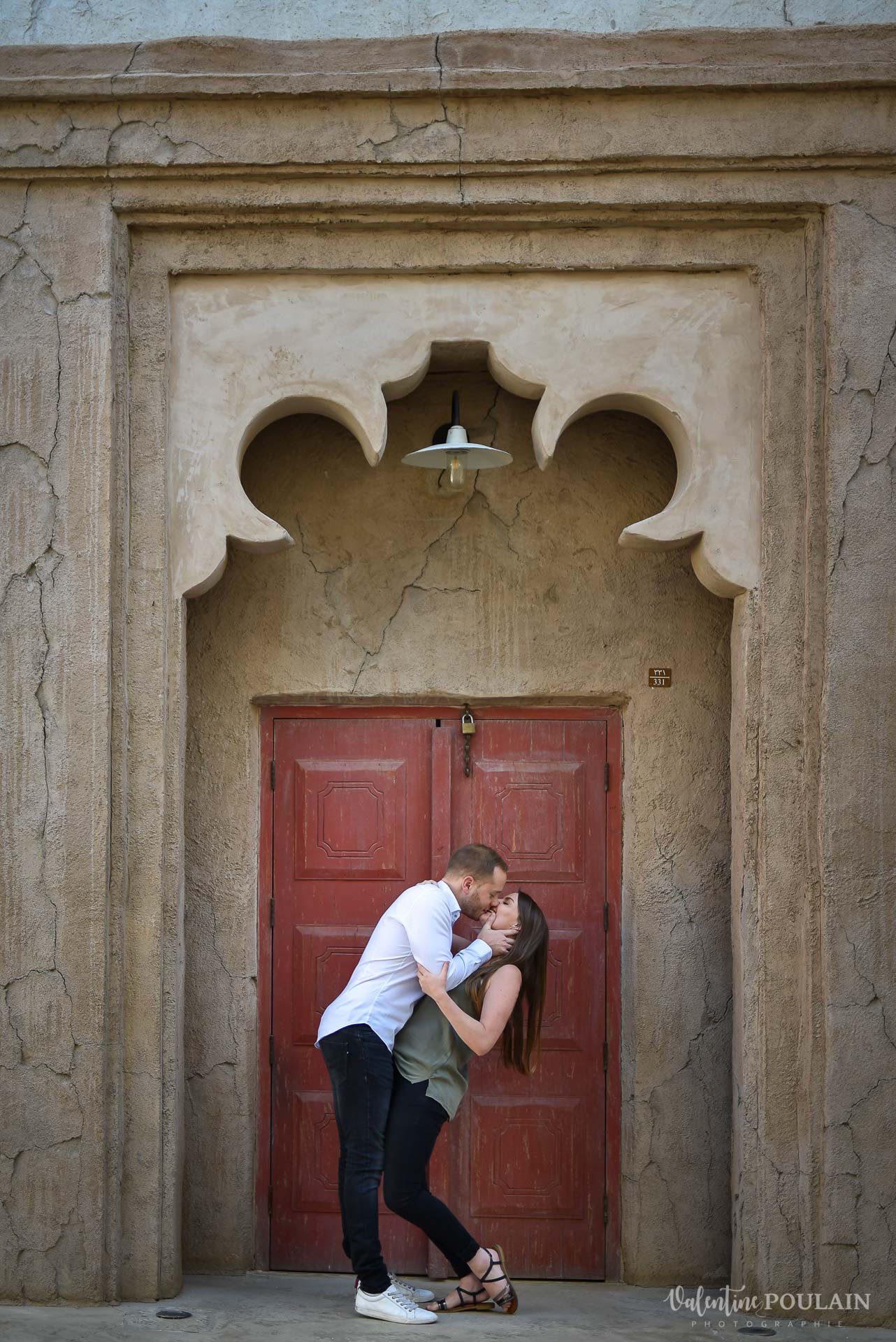 Demande en mariage Désert Dubaï - Valentine Poulain porte