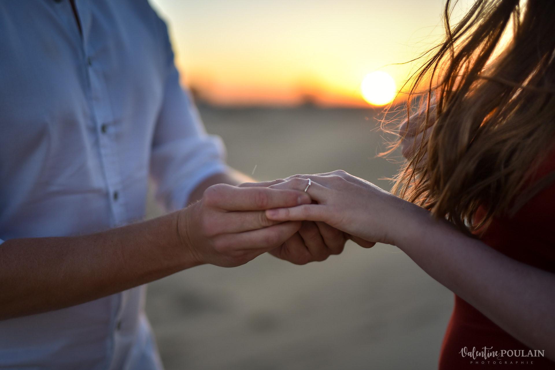 Demande en mariage Désert Dubaï - Valentine Poulain bague