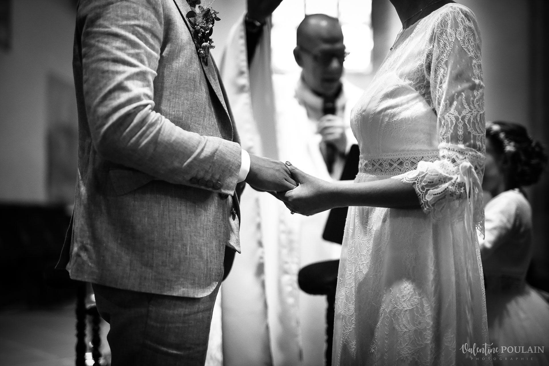 Mariage cité du train mains- Valentine Poulain