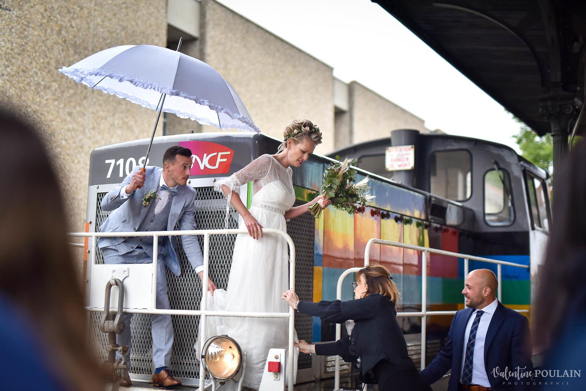 Mariage cité du train arrivée locomotives - Valentine Poulain
