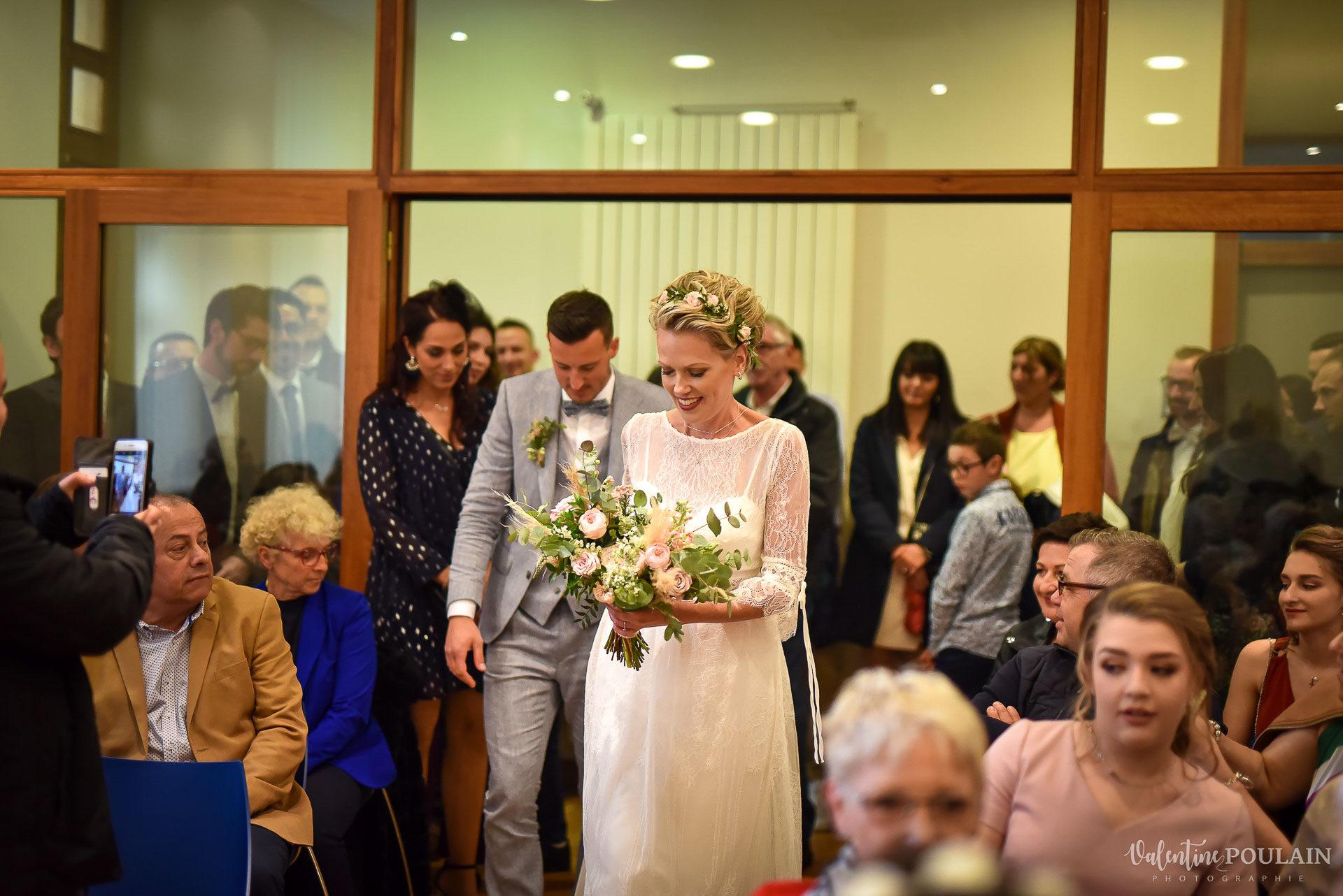 Mariage cité du train entrée mairie - Valentine Poulain