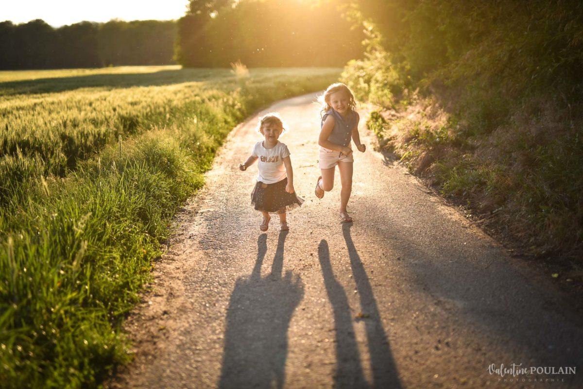 Séance photo Famille champs blé - Valentine Poulain filles